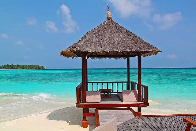 beach-hut-237489